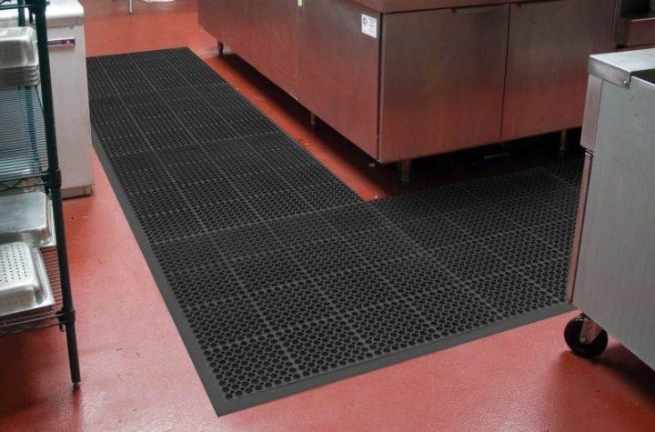 Benefits of using interlocking floor tiles